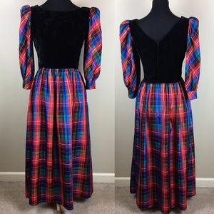 Vintage velvet/taffeta holiday dress size 8